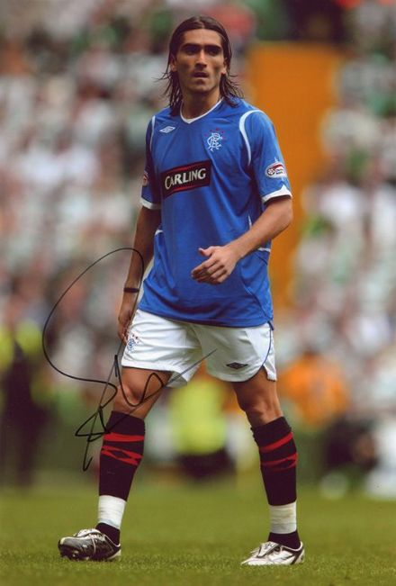 Pedro Mendes, Rangers & Portugal, signed 12x8 inch photo.